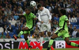 Morata cabecea el centro de James que supuso el 2-1 ante el Sporting.