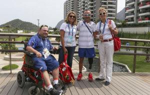 La Infanta Elena visita a los deportistas españoles en la Villa...
