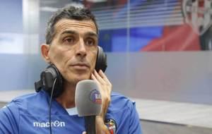 Jos� Ram�n L�pez Mu�iz, en los estudios de Radio Marca Valencia