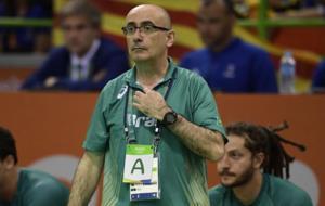 Jordi Ribera, en los pasados Juegos de R�o dirigiendo a Brasil.