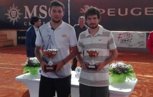 Zapata y Villanueva, con sus trofeos