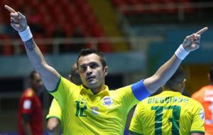 Falcao celebra el gol ante Mozambique con el que batió su récord.