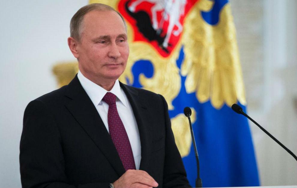 Vladimir Putin hablando a los deportistas paralímpicos rusos