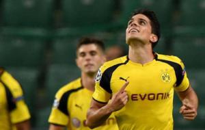 Bartra en un partido con el Dortmund
