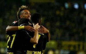 El Dortmund celebra un gol ante el Wolfsburgo