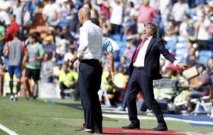 El t�cnico de Osasuna en su partido frente al Real Madrid