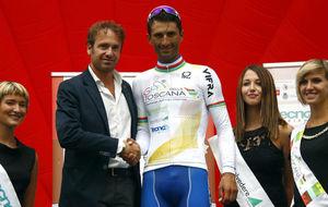 Daniele Bennati en lo m�s alto del podio de la Toscana.
