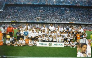 Once del Valencia de 2001 con Pellegrino y Camarasa (entre Carew y...