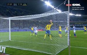 Momento de la mano de Boateng en el partido que disput� ante la Real...