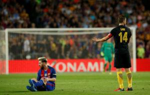 Messi, lesionado en el c�sped