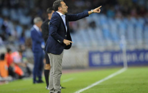 Eusebio da instrucciones durante el partido ante Las Palmas.