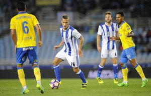 Sergio Canales reaparece en Anoeta tras 9 meses de lesi�n.