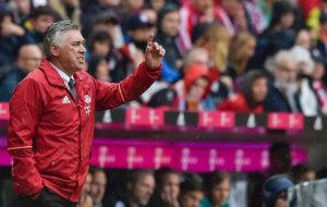 Ancelotti, en un partido con el Bayern.