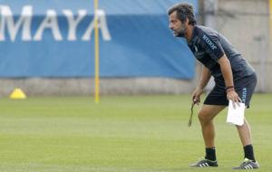 Quique S�nchez Flores dirige un entrenamiento del Espanyol.