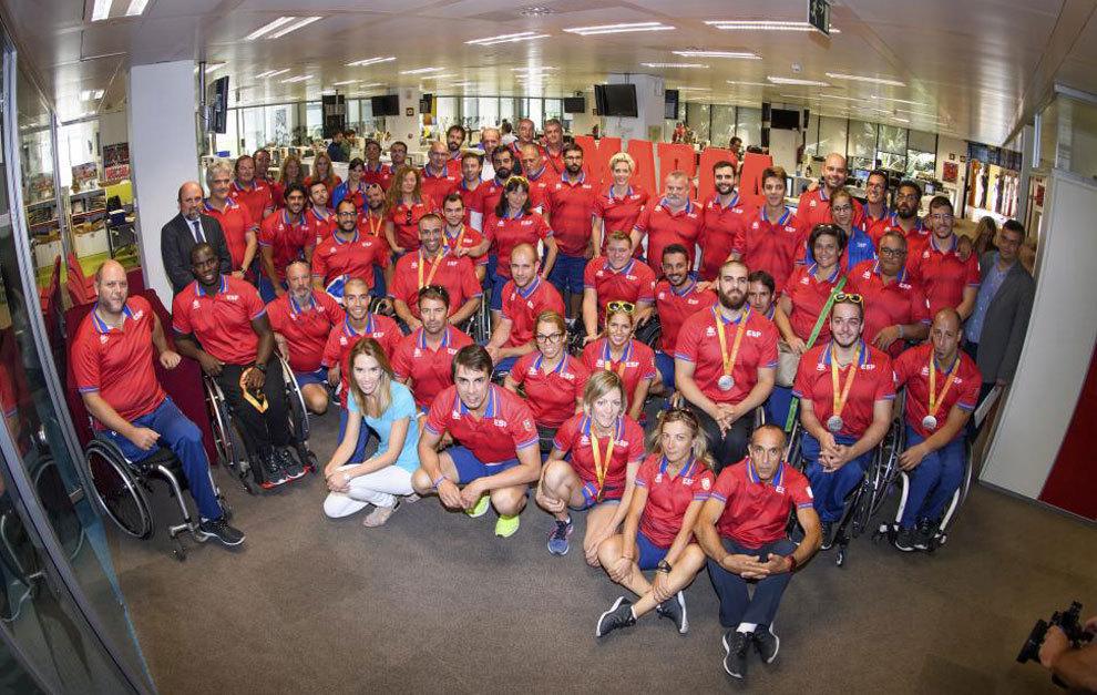 Una gran representación de los deportistas paralímpicos en la...