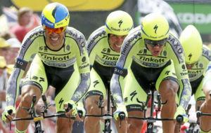 El equipo Tinkoff, durante el Tour de Francia 2015.