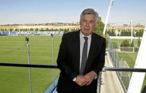 Ancelotti posa en Valdebebas