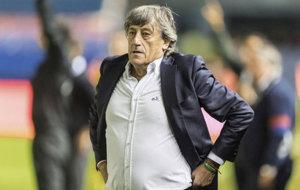 Enrique Mar�n durante el partido frente al Espanyol.
