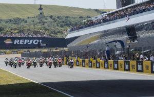 Salida de un GP de Espa�a de MotoGP en el Circuito de Jerez.