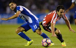 Carles Gil durante el partido que disput� su equipo ante el Athletic...