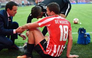 De Marcos se lesiona en el partido frente al Valencia.
