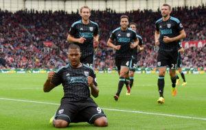 Rondón celebra el empate ante el Stoke
