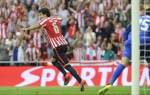 San Jos� celebra su gol ante el Sevilla