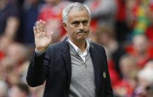 Mourinho, en el duelo ante el Leicester.