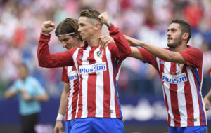 Fernando Torres celebrating after scoring a penalty against Sporting...