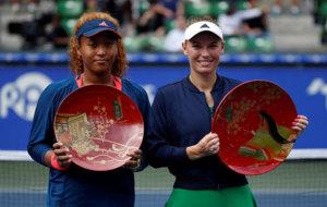 Caroline Wozniacki and Naomi Osaka during the award ceremony.