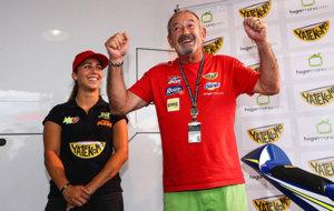 Mar�a Herrera, con Karlos Argi�ano en la firma del nuevo...