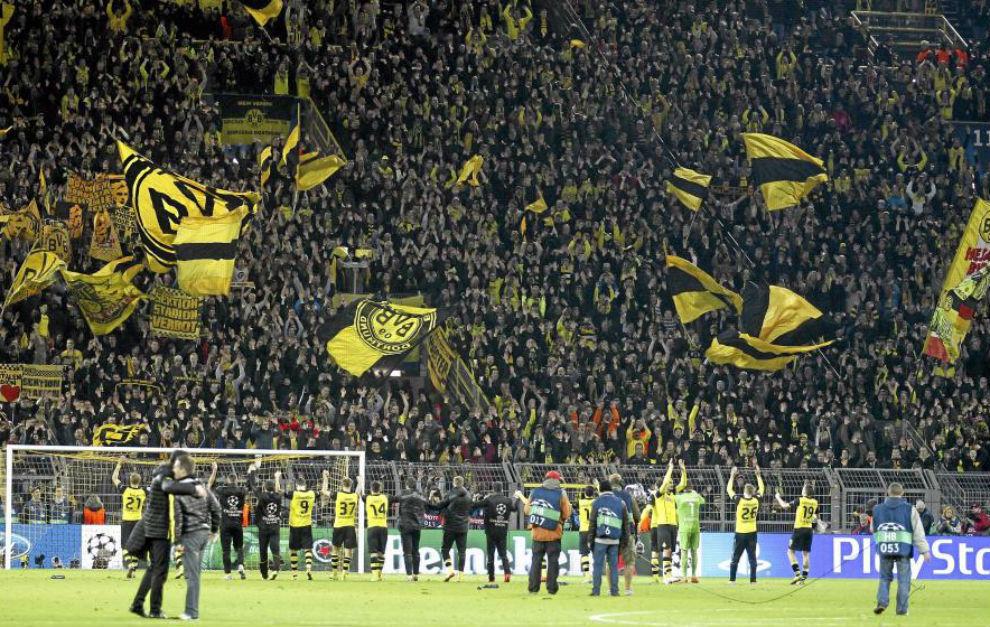 La afición del Borussia en la visita de los blancos a Dortmund en la...