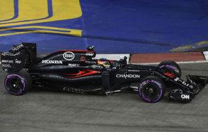 Alonso pilota su McLaren en el pasado GP de Singapur.