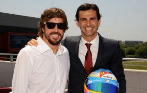 Alonso y De la Rosa en la inauguraci�n del museo del asturiano en...