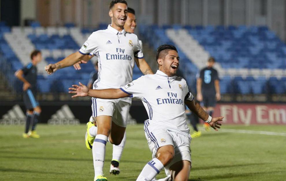 Sergio Díaz celebrando un gol en el Di Stéfano