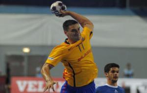 Kiril Lazarov lanza a ante el Wisla Plock / EHF