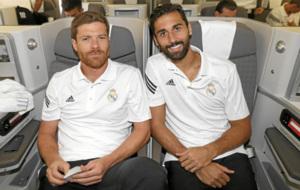 Xabi y Arbeloa, en un viaje con el Real Madrid.