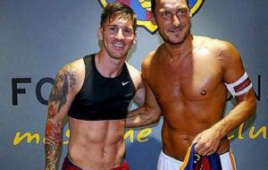 Messi junto a Totti, en una imagen de archivo