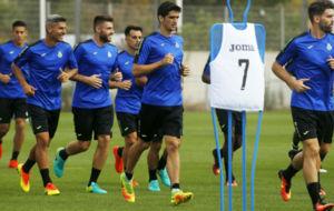 Jugadores del Espanyol, en un entrenamiento en Sant Adri�.
