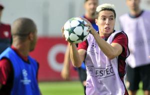 Nasri, en el entrenamiento de este lunes del Sevilla.