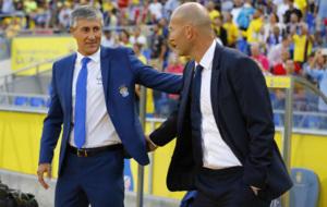 Saludo entre Seti�n y Zidane.