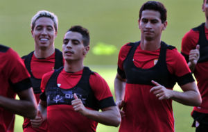 Ben Yedder y Ganso, junto a Nasri, en un entrenamiento.