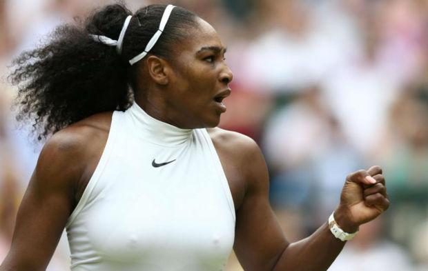 Serena celebra un punto