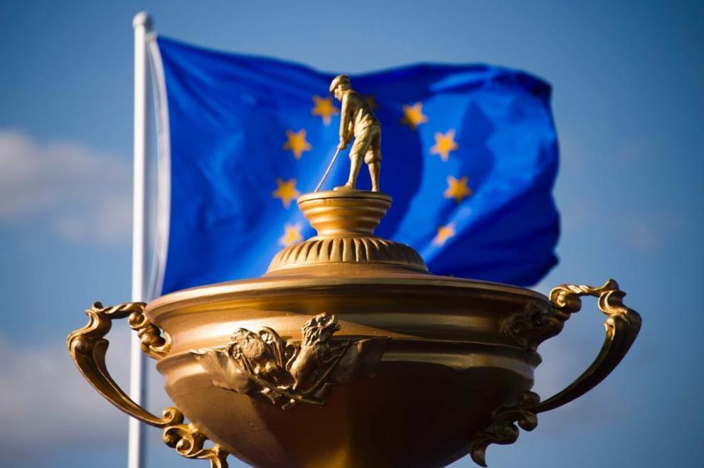 La versión gigante de la Ryder Cup con la bandera europea.