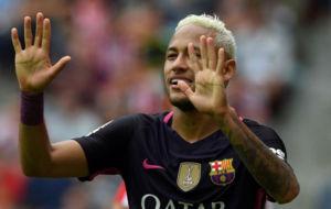 Neymar, durante el partido contra el Sporting de Gij�n.
