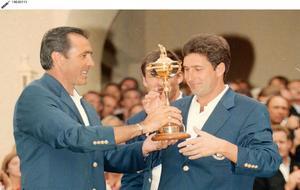 Ballesteros y Olazábal, con la Ryder Cup conquistada por Europea en...