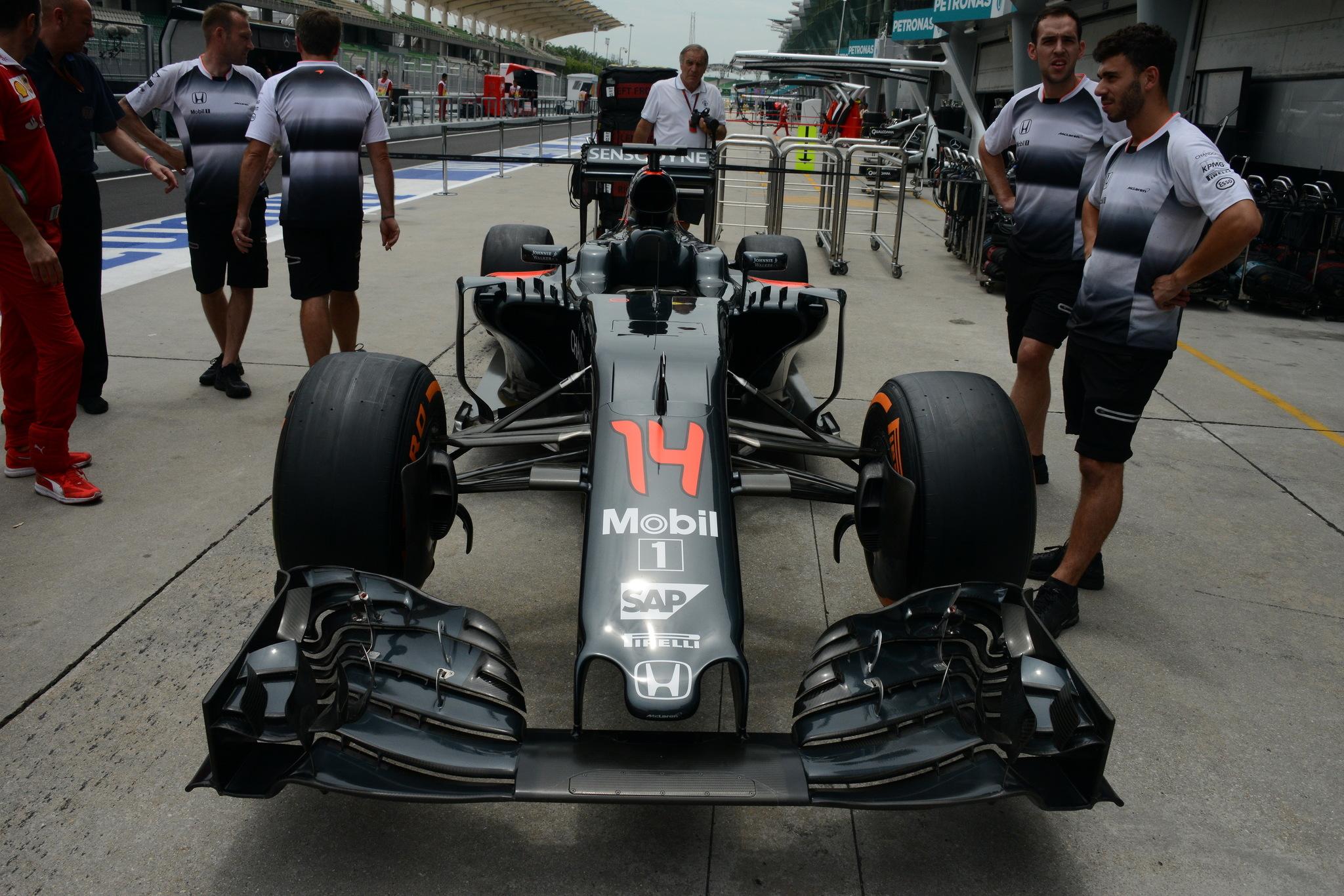 Detalles del coche de Fernando Alonso en Malasia
