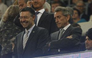 Bartomeu y Mouri�o, en el palco del Camp Nou.