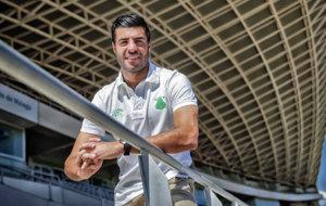 Miguel Torres (30) posa para MARCA en la grada del estadio Ciudad de...