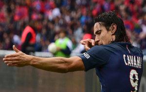 Cavani celebra uno de los dos goles que le marc� al Girondins.